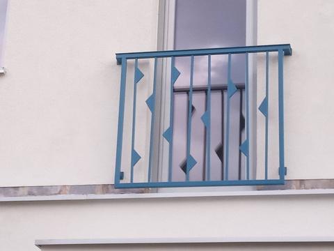 140_balkónové_zábradlie_vzor_trojuholníky_farba_antracit